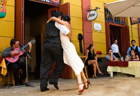 La_Boca_Tango_Argentina_Felice_Willat_Photography_2010-590x407
